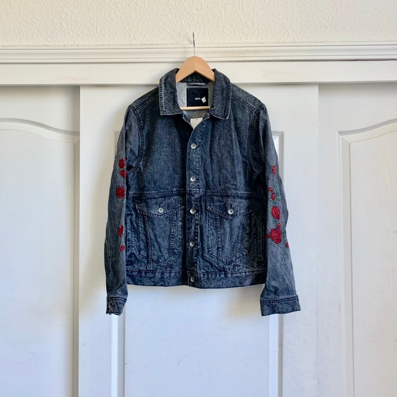 Urban Outfitters Jackets & Blazers - Urban Outfitters Vintaged Embroidered Jean Jacket